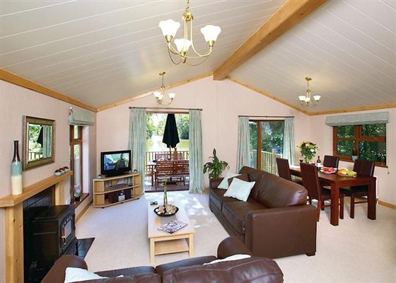 Upton Lakes Elm (Pet Friendly) at Upton Lakes Lodges, Cullompton