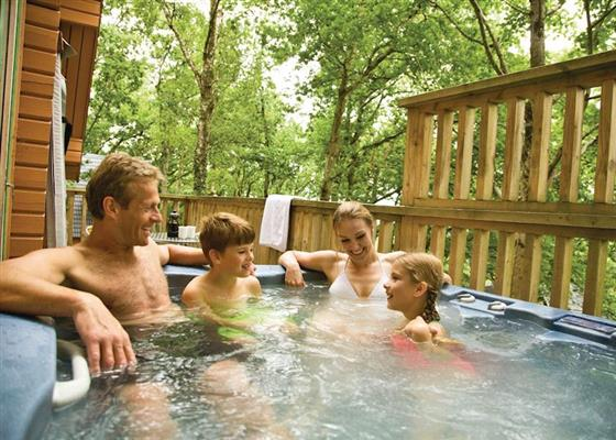 Woodland Deluxe Lodge at Finlake Lodges, Newton Abbot
