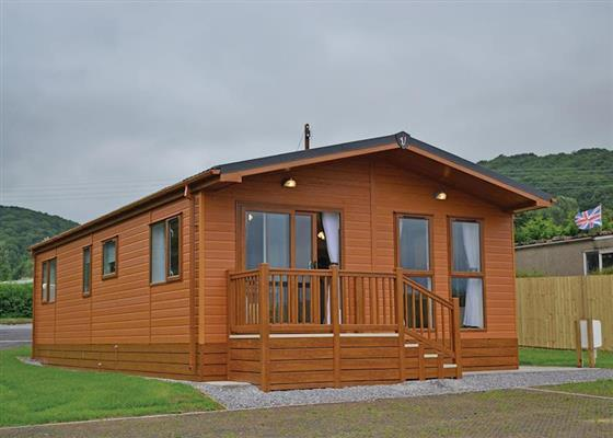 Woodpecker Lodge (Pet) at Longmead Country Escapes, Cheddar